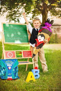 erster Schultag, Einschulung, Schüler, erste Klasse, ABC, Ranzen, Schulranzen, Tafel, Schultüte, Uhr, Kindershooting, Shooting zur Einschulung