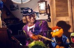 ELTON JOHN ON 'THE MUPPET SHOW' TV - 1977