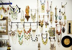 Frutseltuts: Jewelry Display & Upcoming DIY