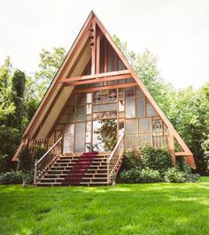 Chapel by the water A Frame House Plans, A Frame Cabin, Cabins In The Woods, House In The Woods, Pallet House, Dome House, Cabins And Cottages, Chapelle, Cozy Cottage