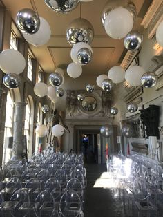 Ideal ceiling decor ideas for a party - There are many factors to throw an event, and there are a lot more methods to enhance for stated event. These Do It Yourself party design suggestions for ceiling are suitable for a vast array of parties. Hanging Balloons, Floating Balloons, Big Balloons, Ceiling Hanging, Wedding Balloons, Balloon Ceiling Decorations, Ceiling Ideas, Wedding Balloon Decorations, Deco Ballon