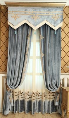 7 Luxurious Blackout Curtain Ideas That Will Turn Your Window into a Piece of Art Curtains With Blinds, Blackout Curtains, Window Curtains, Curtain Designs, Curtain Ideas, Boston House, Living Room Decor Curtains, Window Toppers, Window Dressings