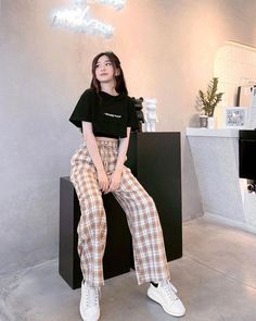 Korean Casual Outfits, Korean Outfit Street Styles, Cute Casual Outfits, Pretty Outfits, Stylish Outfits, Korean Style Clothing, Korean Outfit Summer, Korean Clothes, Korean Girl Fashion