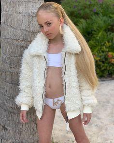 Preteen Fashion, Kids Fashion, Fashion Outfits, Cute Young Girl, Cute Girls, Teen Girl Outfits, Cute Outfits, Cute Princess, Girls Bathing Suits