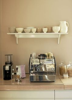 another home coffee bar - Bing Images - Kelsey Hubacker - Coffee Stations Coffee Bar Station, Coffee Station Kitchen, Coffee Bar Home, Home Coffee Stations, Coffee Corner, Coffee Cafe, Coffee Shop, Beverage Stations, Corner Bar