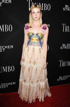 Elle Fanning en robe Gucci printemps-été 2016 à la première du film Trumbo