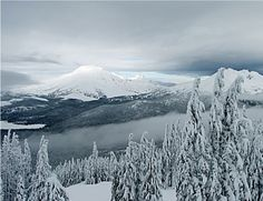 Mt Bachelor in Oregon - Winter view