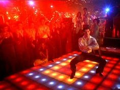 saturday night fever- dads favorite part! we should play this song and have him do the dance after we sing happy birthday! Susan Sarandon, Marlon Brando, Jack Nicholson, Trieste, Saturday Night Fever Movie, Johnny Travolta, 1970s Disco, Disco Party, Disco Theme