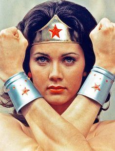 """Linda Carter - """"Wonder Woman"""" (TV 1975 - 1979) - Costume designer : Donfeld"""