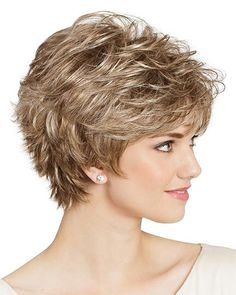 Best Womens Hairstyles For Fine Hair – HerHairdos Short Shag Hairstyles, Short Layered Haircuts, Short Hairstyles For Women, Latest Hairstyles, Vintage Hairstyles, Woman Hairstyles, Short Bobs, Casual Hairstyles, Pixie Haircuts