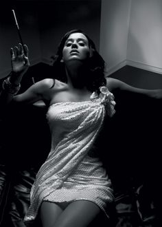 Katy Perry, black and white... A great photo, and Katy Perry being so incredibly hot makes it all the better;)