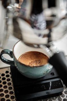 Coffee Shot, Coffee Cafe, Coffee Break, Coffee Drinks, Morning Coffee, Drinking Coffee, Iced Coffee, Coffee 21, Coffee Logo