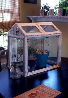 the upcycler - refusing refuse - upcycle - recycle - repurpose: Picture Frame Terrarium - Mini Conservatory Homemade Greenhouse, Best Greenhouse, Backyard Greenhouse, Greenhouse Plans, Miniature Greenhouse, Portable Greenhouse, Old Picture Frames, Window Picture, Old Windows