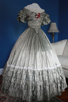 Jacket, 2 bodices, ball gown, & more! Victorian Gown, Victorian Costume, Victorian Fashion, 1800s Fashion, Retro Fashion, Vintage Fashion, Women's Fashion, Vintage Gowns, Vintage Outfits