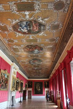 Kensington Palace, London interior . William and Kate make their home at Kensington Palace. (LW29)