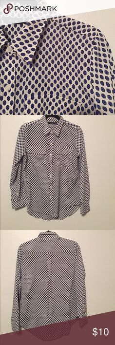 Apt. 9 button-up blouse This blouse is in excellent, used condition. Material-100% polyester Apt. 9 Tops Button Down Shirts