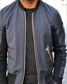 The bomber jacket is a classic piece every man should own. It is a great add to any casual outfit. What do you think? [ store.royalfashionist.com ] __ . . . . . #royalfashionist #mensfashion #style #fashionblogger #menswear #menstyle #moda #mensfashionpost #styleformen #modamasculina #malemodel #instafashion #highfashionmen #modaparahomens #fitnessmodel #mensfasion #musthaveit #menwithstyle #instashopper #marcosdeandrade #fashionblog #jewelry #jewelryoftheday #luxurylife #menwithclass…