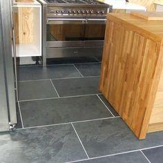 Brazilian Black ( Montauk Black ) Cleft Slate Tile 12 for mudroom Slate Flooring, Kitchen Flooring, Flooring Ideas, Laminate Flooring, Best Floor Tiles, Bathroom Floor Tiles, Room Tiles, Black Tiles, Black Floor