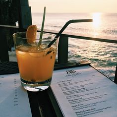 Who's up for drinking the sunset this evening? Me me me! @jwgan