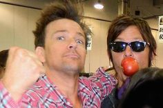 Sean Patrick Flanery and Norman Reedus.I love that these guys are just 2 normal dudes and are super humble. Daryl Dies, Sean Patrick Flanery, Murphy Macmanus, Blue Eyed Men, Boy Images, Norman Reedus, Attractive Men, Good Movies, Comedians
