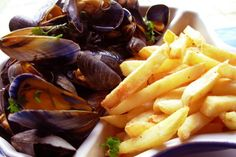 One of the most famous dish in Belgium is 'Moules frites' - mussels with chips. Find out how belgium is united by its love for the local food. If you are lving in Europe and have family over seas, Top up their phones at www.MomoTop.co