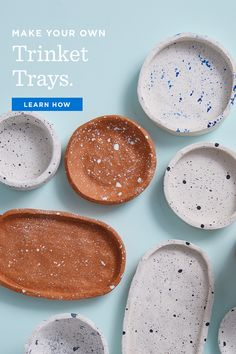 Free instructions for making DIY clay bowls and decorating with spatter-paint technique. Easy to make multiples and keep on hand for gifts. Fimo Clay, Polymer Clay Crafts, Diy Jewlry, How To Make Clay, Diy With Clay, Oven Bake Clay, Clay Plates, Baking Clay, Clay Bowl