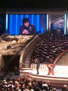 Joseph Prince at Lakewood October 2011 Powerful! Joseph Prince Ministries, High School Students, Awesome, Amazing, Christianity, The Voice, Vineyard, Singing, Strength
