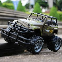 Electric RC Car toys Remote Control Dirt bike Off-Road Climbing Cars Racing Model super big Vehicle high speed Toy for boys gift