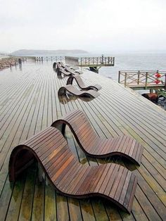 7 ultra-modern lounge chair designs made of wood for outdoor use - Backyard Lounging - Chair Design Patio Lounge Chairs, Outdoor Lounge, Outdoor Chairs, Sofa Lounge, Dining Chairs, Ikea Chairs, Chiavari Chairs, Desk Chairs, Kitchen Chairs