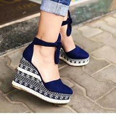 Keys To Finding The Best Sneakers For Women. Are you shopping for the best sneakers for women? Sock Shoes, Cute Shoes, Me Too Shoes, Shoes Heels Wedges, Wedge Heels, High Heels, Womens Fashion Sneakers, Fashion Shoes, Kawaii Shoes