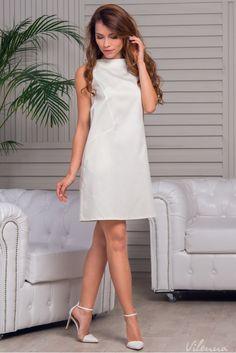Стильна сукня з відкритими плечами просторого силуету • колір: молочний • інтернет магазин • vilenna.ua
