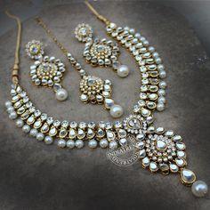 Fardeena Necklace + Tikka + Earrings by Indiatrend Bridal Jewelry Vintage, Indian Wedding Jewelry, Indian Jewelry, Antique Jewelry, Stylish Jewelry, Jewelry Sets, Fashion Jewelry, Diamond Necklace Set, Jewellery Sketches