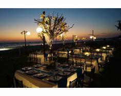 Acapulco es de los lugares favoritos de los novios para organizar una boda de fin de semana. #bodas #México #decoración