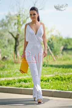 salopeta dama lunga alba Elegant Dresses, Jumpsuit, Fashion, Elegant, Overalls, Moda, Stylish Dresses, Fashion Styles, Dress Up Clothes