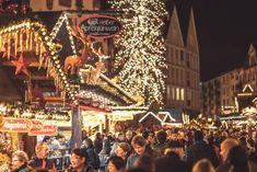 Curiosità e tradizioni di Natale dal mondo e da Marte | Vita su Marte German Christmas Markets, Hagen, Buckingham Palace, Winter Time, Winter Wonderland, Enchanted, Kentucky, Fairy Tales, Germany