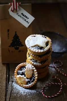 "fromthe-kitchen: "" White Chocolate & Cranberry and Dark Chocolate & Fig Christmas Mince Pies From the Kitchen #Recipe """