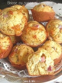 Briose-cu-sunca-si-cascaval-2 Cooking Recipes, Easy Recipes, Easy Meals, Muffin, Pie, Breakfast, Food, Home, Salads