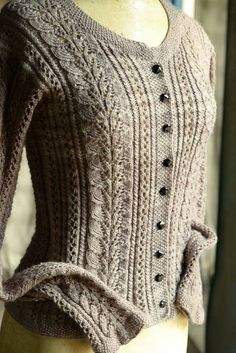 Ravelry: Vert forêt by katheryn Lace Knitting Patterns, Knitting Stitches, Knitting Designs, Cable Knitting, Easy Knitting, Cardigan Pattern, Ravelry, Pulls, Knitwear