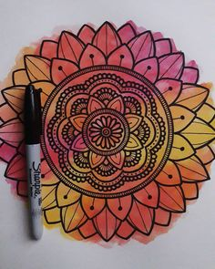 Here are some easy Mandala design and drawing on canvas ideas for therapy and inner healing. Mandala Art Lesson, Mandala Artwork, Mandala Canvas, Mandala Painting, Mandala Doodle, Doodle Art Drawing, Mandalas Drawing, Art Drawings Sketches, Easy Mandala Drawing
