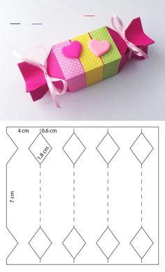 de origami Box for sweets in pi - Basteln Origami Gift Box, Paper Crafts Origami, Diy Gift Box, Diy Box, Diy Gifts, Gift Boxes, Candy Box Template, Box Templates, Origami Templates