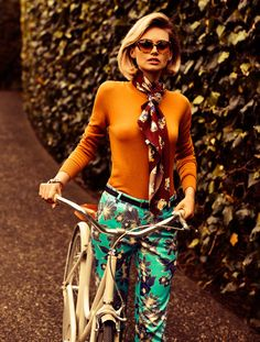 Glam - Functional and able Women's Bike Clothes Iva Jean fashion women's - Fashion Cycle Chic, 70s Fashion, Fashion Beauty, Vintage Fashion, Womens Fashion, Bike Fashion, Fashion Clothes, Preppy Fashion, Clothes Women