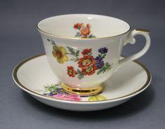 Arabia, Kulta-aika 12 Kitchenware, Tableware, Finland, Tea Pots, Stuff To Do, Porcelain, China, Ceramics, Dishes