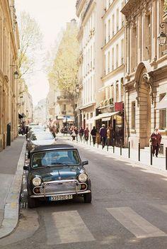 Vintage Mini Cooper in Paris