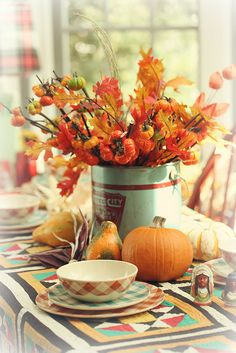 Autumn Table I like the checked dinnerware. Autumn Table, Beautiful Table Settings, Autumn Decorating, Fall Harvest, Harvest Time, Holiday Tables, Decoration Table, Autumn Home, Soft Autumn