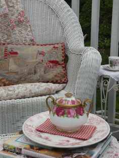 Shabby Chic...  rose pattern teapot
