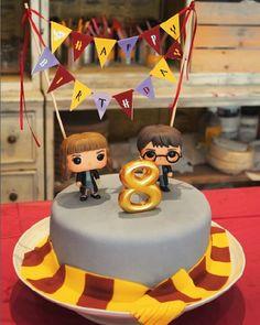 Harry Potter, Hermione Granger, Funko pops, birthday cake, Gryffindor, cake banner
