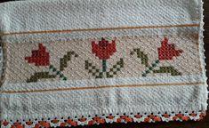 Bordado em tecido xadrez - Pano de Copa/Amostra (Detalhes sobre o bordado... Visitar) Chicken Scratch, Labor, Smocking, Diy And Crafts, Mandala, Towel, Embroidery, Sewing, Hand Embroidery Stitches