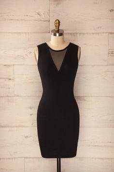 Messine ♥ Cette petite robe noire est très assurément synonyme de chic et d'audace. This little black dress is most certainly synonym of smartness and daring.