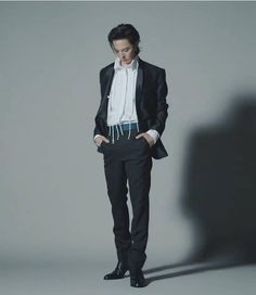 Bigbang, G Dragon, Kpop, Suits, Style, Fashion, Swag, Moda, Fashion Styles