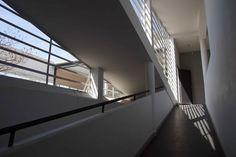 villa savoye - Google 搜尋 Villa, Stairs, Architecture, Inspiration, Google, Home Decor, Arquitetura, Biblical Inspiration, Stairway